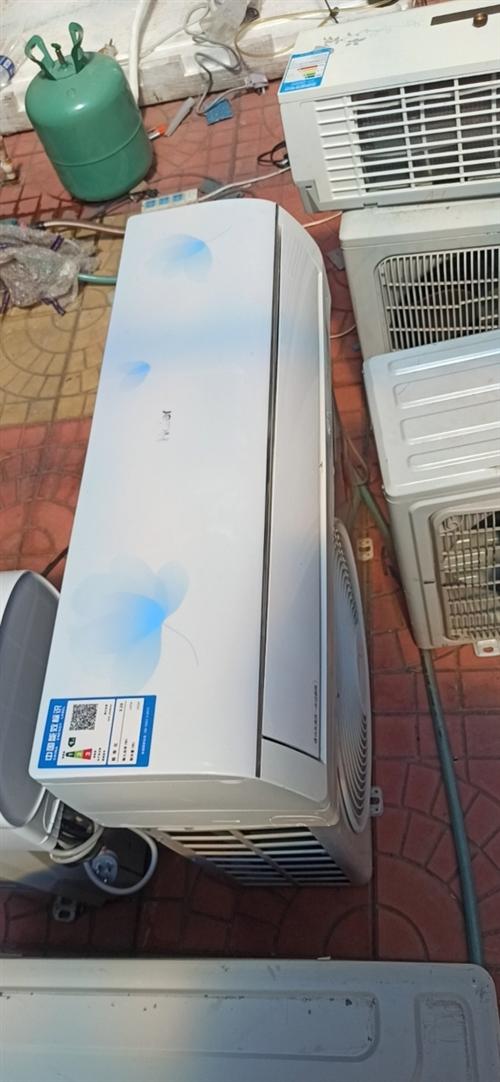 低价处理二手空调,包安装,质保一年。