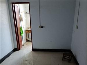 小区房,一室一厅,50平方,13万