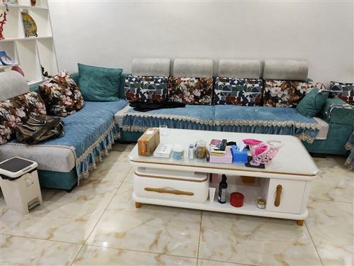 二手沙发3.6米使用期限2年现低价出售