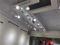 建水服装店的射灯一共16个出售