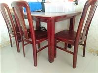 转让实木餐桌椅,一桌四椅,4张实木按摩床,配**高密度海绵垫,4米X1.6米散货柜,不锈钢长椅,地址...