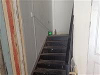 哪里有回收玻璃门和铁楼梯的?
