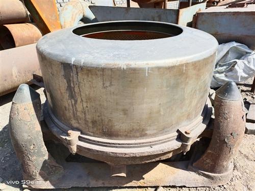 出售三足式不锈钢离心脱水机,脱水桶直径100cm高35cm。价格面议。