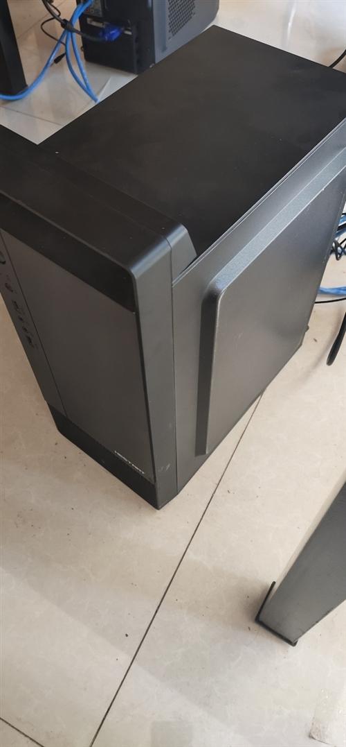去年12月组装机,24寸超薄显示器,办公玩小游戏都可以,无维修,运行正常,当时3000西安组装的,现...