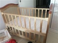 闲置婴儿床一张,有几处磕碰不影响使用,原价600多现在280出售中间的摇床没用过,有蚊帐用的支撑没有...