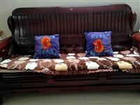现有实木沙发五件套一组,诚意出售,如有合适者请联系我,?15366477079