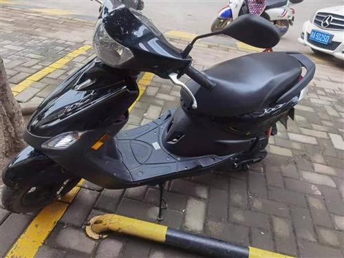 出售  雅马哈加油踏板 原件7000  跑了3000公里  9成新。