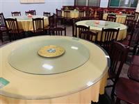 營業中餐館,因老板身體狀況無法經營,現處理店內物品,圓桌14張,靠背椅100多張,長條桌4張,收銀臺...