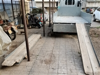 三米五長的爬梯兩個,承載重量3—5頓。能爬壓路機,挖掘機,坦克,飛機。