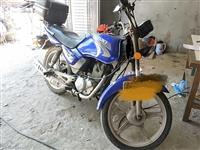 经典铃木牌摩托车,一键启动,闲置转让。