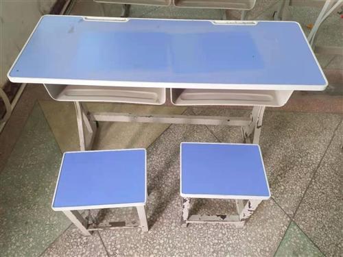 輔導班鐵質雙人桌凳處理