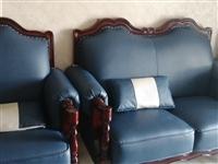 因沙发买的,现出售,九成新,全部是皮子,淘宝同款咳嗽,价格