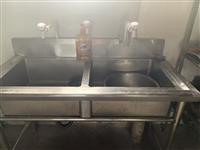 不锈钢洗碗池一个