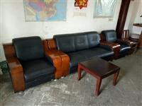 本人有套商务接待沙发出售,9成新价格面议