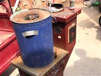一千多买的炉,厚钢板,光钢板得有一百多斤,就用一年,现低价处理