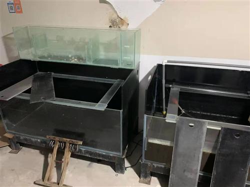 1.2米60宽鱼缸组缸,两套总共6个。500元自提,适合海鲜池,鱼房,饭店。