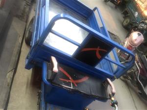 电动三轮车车,1.2宽2米长,因为现在用不上了,所以想出售