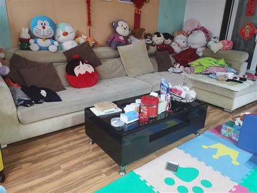 家具更新换代,出售成套沙发茶几电视柜餐桌椅,床,电脑桌,书橱等等,运费自理,价格面议