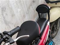 低价转让学骑车时买的小电动车,地址在龙凤人家,需要自己上门自提。车子是2019年9月份买的,比较小,...