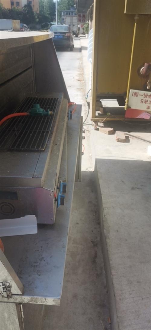 1.8米长烧烤净化一车,另外还有一个电烤炉。