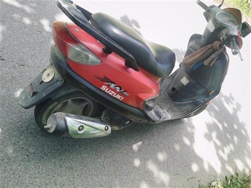 本人踏板出售,轮胎新换,所有正常,需要的速联系