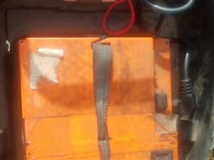 出售宝岛电摩,60v32a.跑60到80公里,锂电也是这个里程,要锂电2000左右,不要锂电1000...