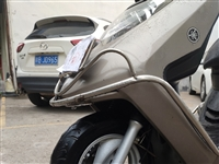 14年上牌的凌鹰雅马哈100排量,新车上牌1万多,车况非常好,发动机安静不烧机油。