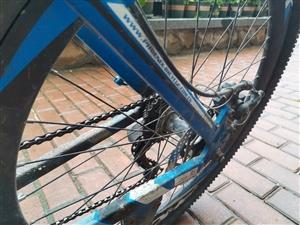 凤凰牌自行车,各功能都好使,可变速,可送货上门,有意者抓紧时间联系