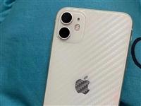 品牌型號 蘋果11國行 128G 白色  無拆無修 原裝充電器盒子都有。無拆無修 誠信再來