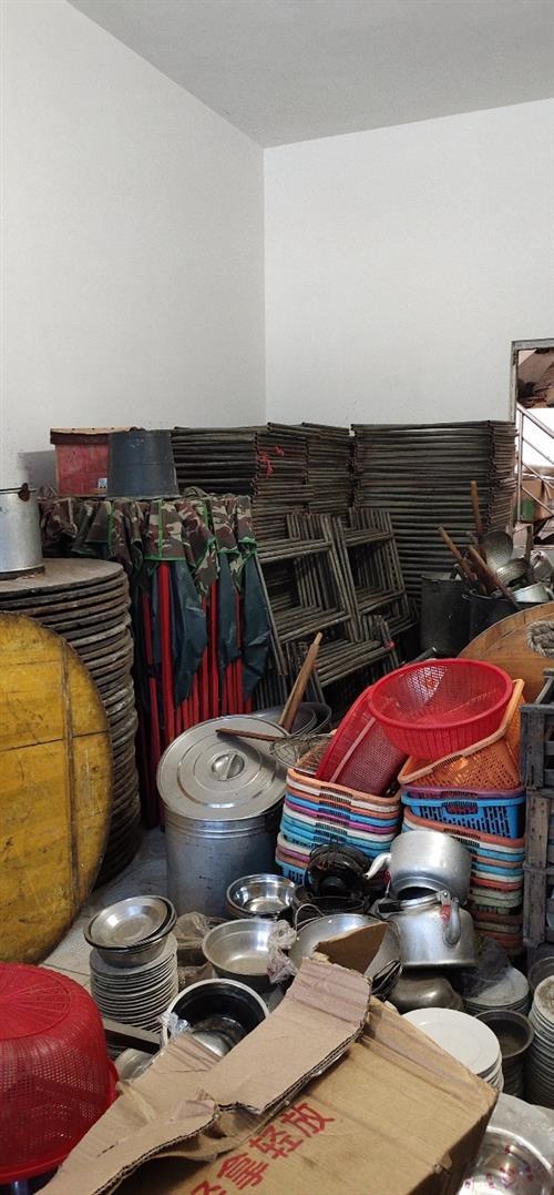 二手酒具出售(低价出售) 地址:儋州市美扶村委会兰优村(文化室对面)