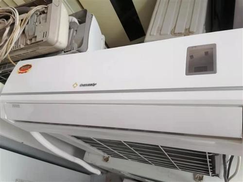 刚清洗干净的二手品牌空调,价格优惠!效果好!品质保证!有需要的免费送货,免费安装哦!