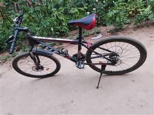 闲置一辆沙漠赛赛公路自行车,9成新,有需要联系微信同号15366206826