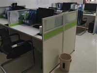 屏风办公桌2组,9成新,价格优惠。