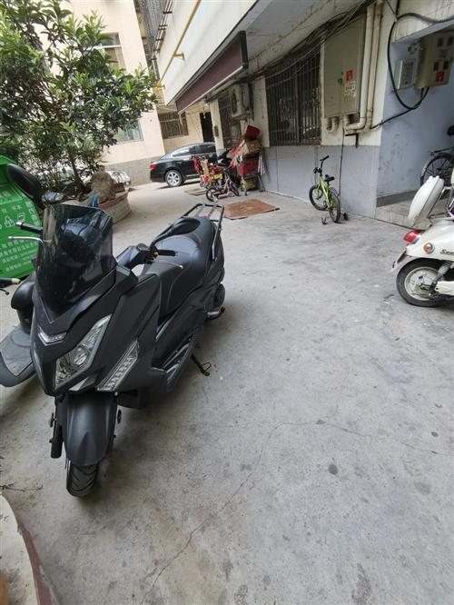 马杰特斯T9踏板车一辆  9.8新  跑了600多公里  刚买来时间不长  不想骑了  8800买来...