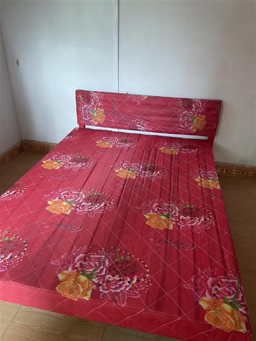 1.5米大床,買了半年,便宜處理