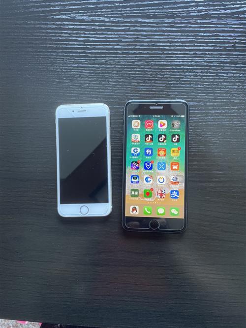 转让出售:苹果8P行版原装自用一手,64G无维修,成色九成,保护保养很好 1388元 苹果6金色行...