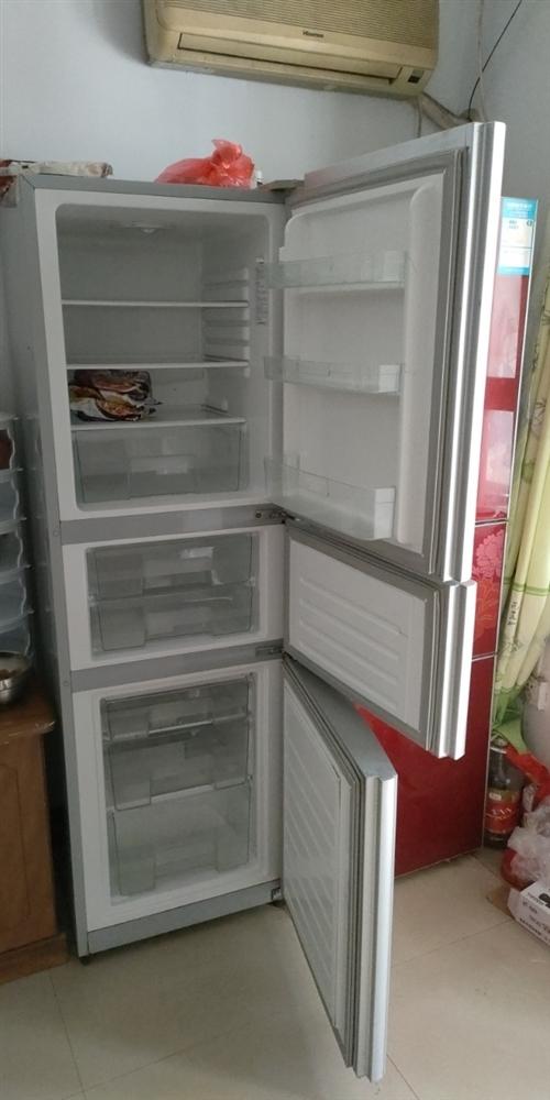 搬家  买下新冰箱了   便宜处理   300元  功能一切正常