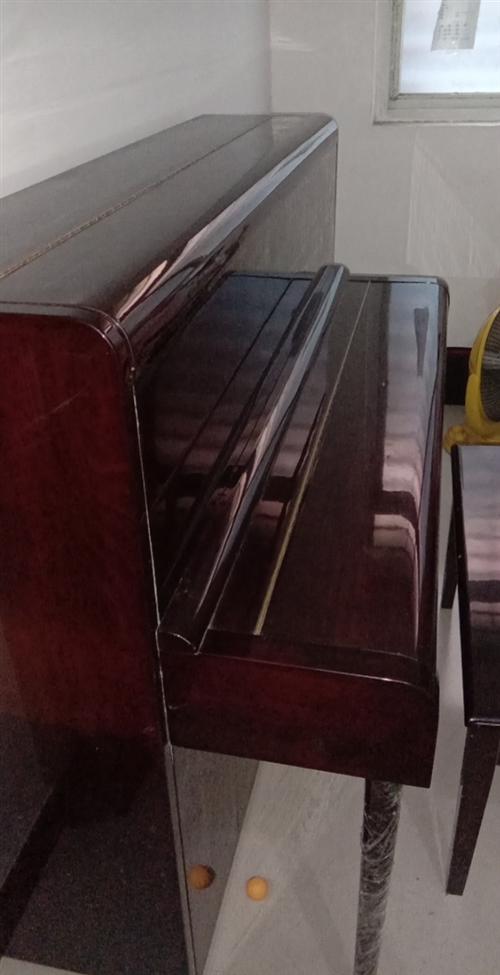 转让日本产红木钢琴购于2020年基本上还是新的,购买时1万多现转让7000元。联系电话1503968...