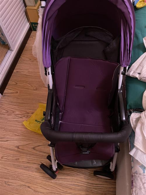 一大一小宝宝推车,完好没有损坏,低价出售,每个80元