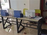 三台一体机电脑 ,整张办公桌 ,三个文件夹 ,那个座机 ,全部一起打包