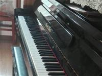 珠江钢琴,成色很新,因搬家低价转让。
