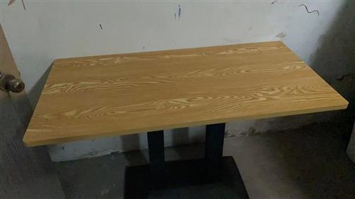 家里闲置三张这样的桌子喜欢的来