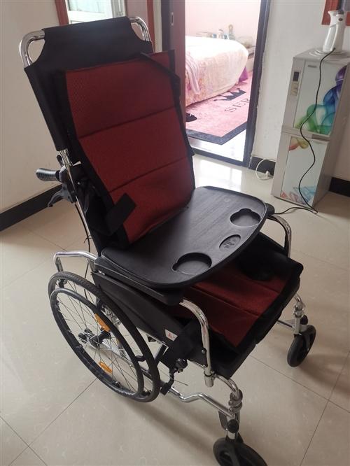 凤凰牌轮椅,今年一月份购置,所有配件功能齐全,原价980,现低价650出售,潢川自提!