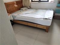 出售床体+床头,九成新。(不带床垫子)