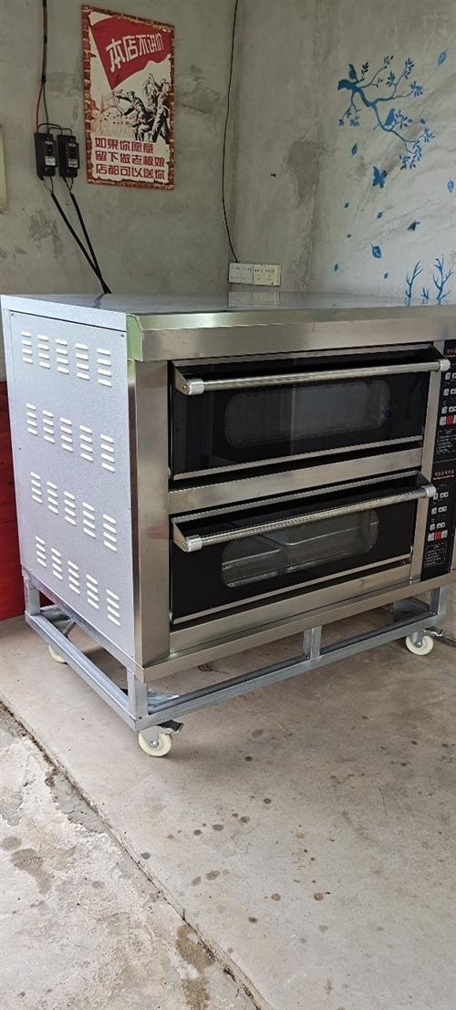 电烤箱(两层四盘电脑版),上下层各自分开控制电源和时间温度,9成新。(需自提)。地址:揭西县大溪镇大...