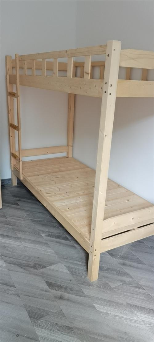 实木双层床,90×200,有十五张,原价460,处理300,临泉自提