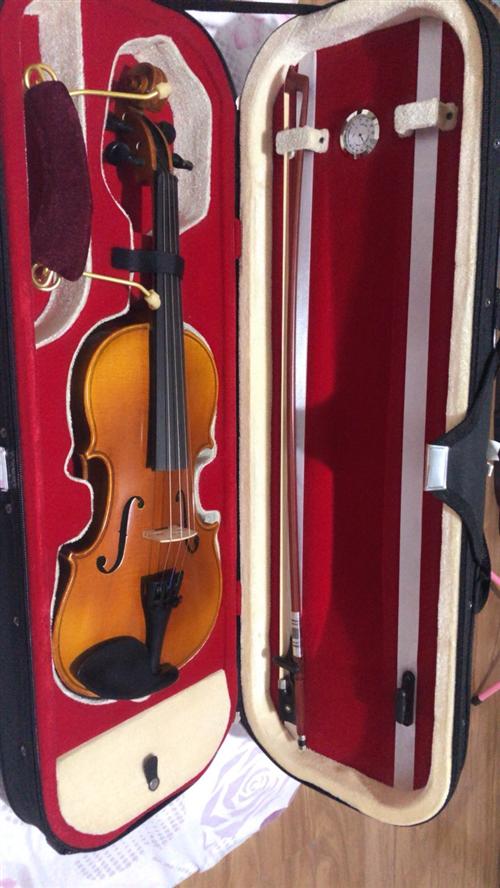 **小提琴出售    专业手工儿童练习小提琴 尺寸2/4  适合1–3年级的学生拉 ,下单送教材2...
