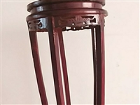 九成新實木花凳一對,100元,高度75厘米,石頭面,實體店150元一個。