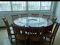 因店面到期!现有8套大圆桌+靠椅+玻璃转盘!便宜处理!原价一千五六元的大圆桌椅!现在特价处理480元...