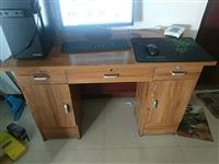 书桌,搬家处理了,结实耐用,80自提